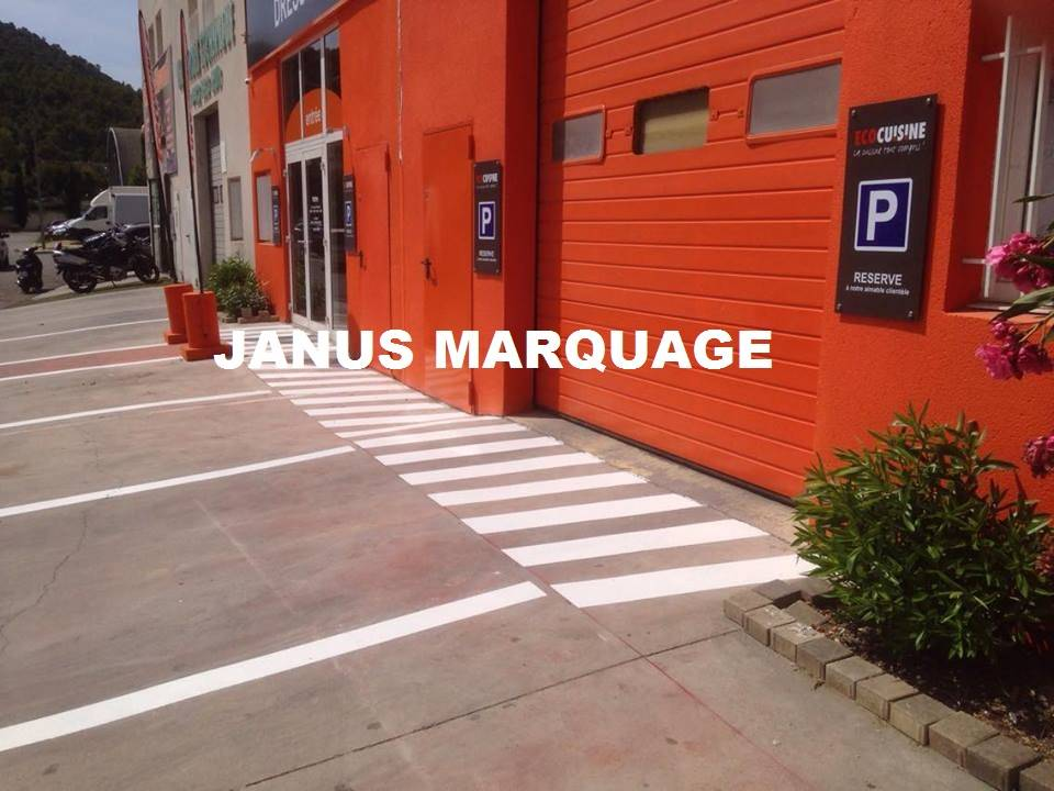 peinture au sol pour parking ext rieur zone des paluds aubagne marseille janus marquage. Black Bedroom Furniture Sets. Home Design Ideas